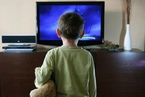 отвадить ребенка от телевизора
