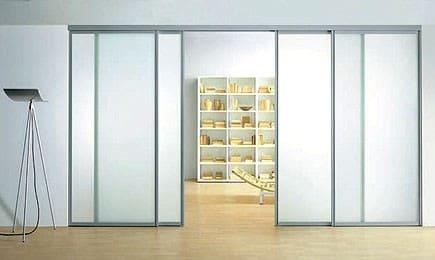 Чем привлекательны раздвижные стеклянные двери