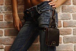 Стильные ремни и сумки в одежде мужчины