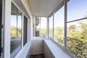 Как остеклить балкон правильно